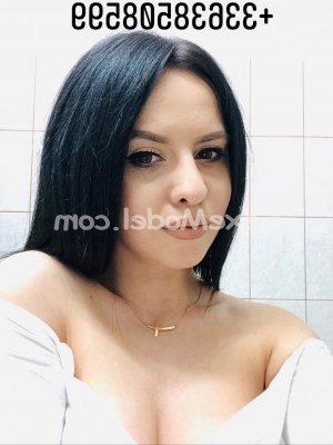Thalia escorte massage lovesita