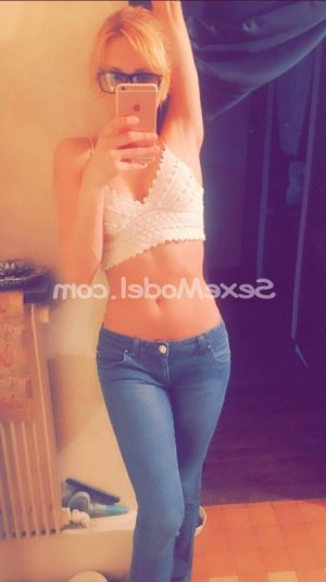 Kristiana escorte girl