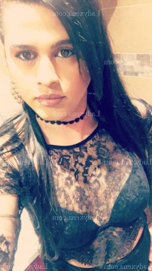 Elfy massage sexe escorte girl lovesita dans la Corse-du-sud