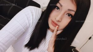 Anaee escort girl