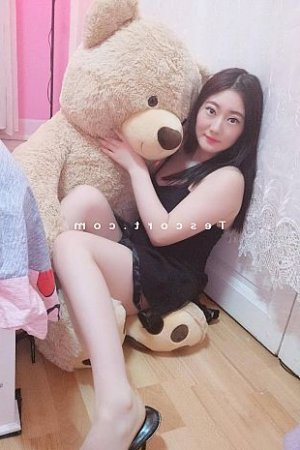 Linoi massage sexy escorte girl