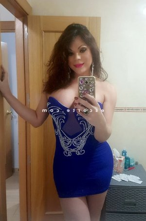 Chafia massage tantrique escort