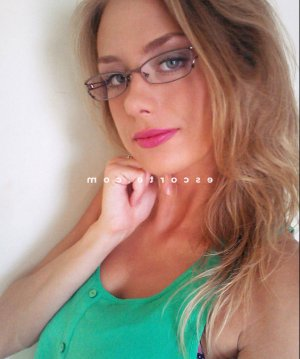 Margaut escort girl